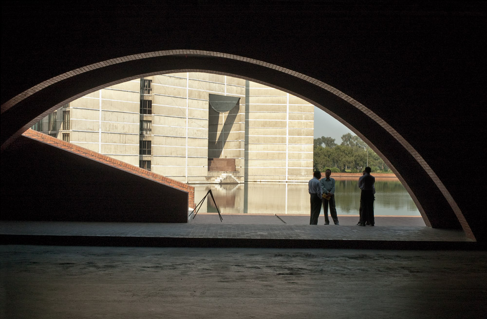 National Assembly Building of Bangladesh | Louis Kahn