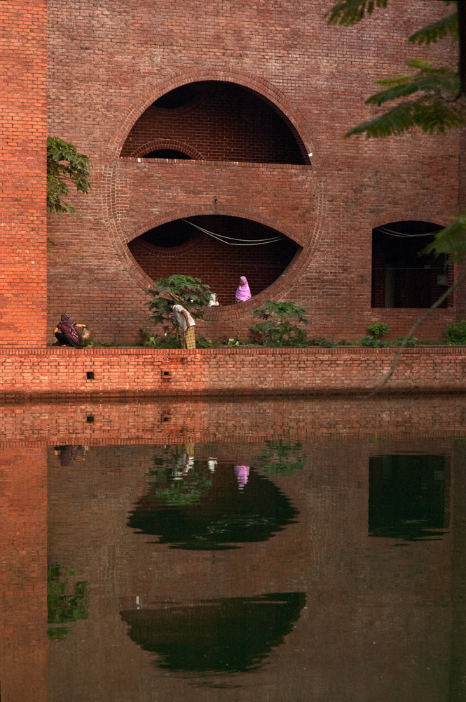 National Assembly Building of Bangladesh   Louis Kahn
