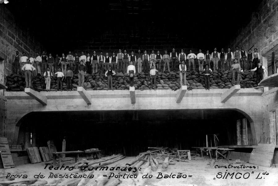 Prova de resistência do pórtico do balcão do Teatro Jordão (1937/38) Fonte: Antonio Amaro das Neves